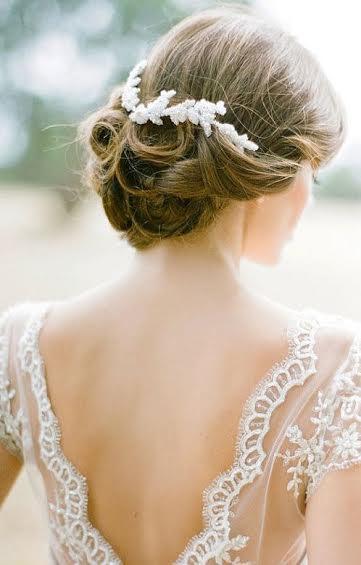 penteados para usar com vestido de costas abertas