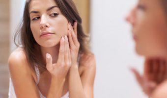 Como combater a acne na idade adulta